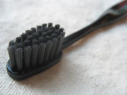 Binchotan Charcoal Toothbrush – Black