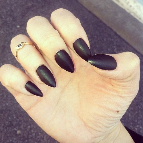 Matte Black Nails – I Want It Black