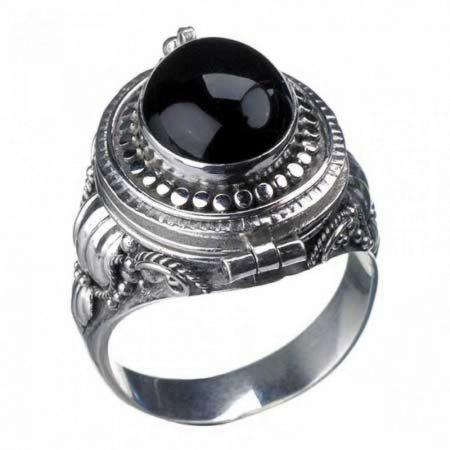 Onyx Poison Ring