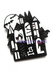 Dolly Cool Halloween Haunted House Brooch