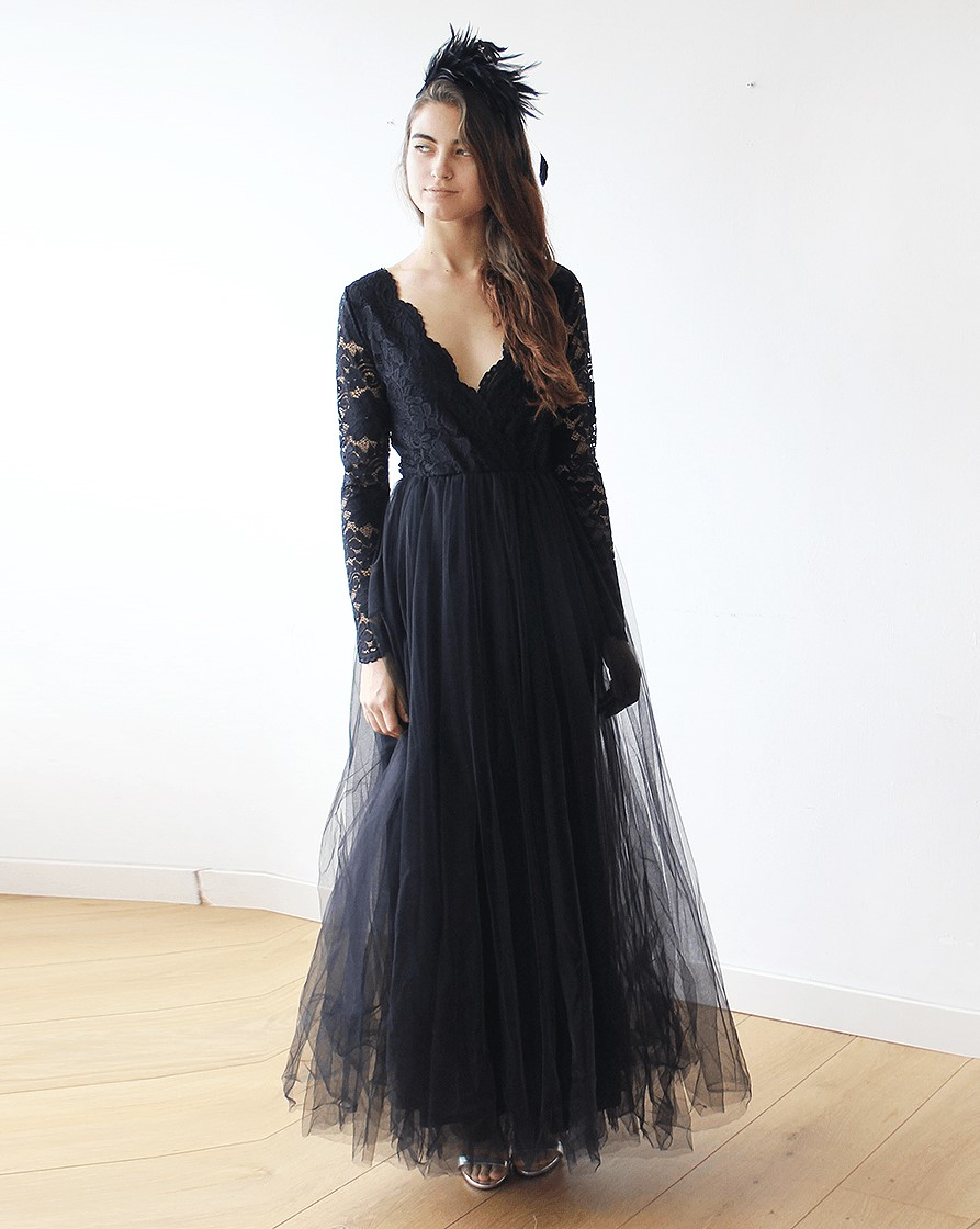 Gothic Black Tulle and Lace Long Sleeves Wedding Dress
